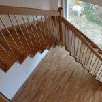 Moderné kombinované schody drevo - kov