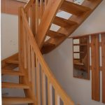 Zadlabané schody so stĺpikovou výplňou