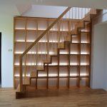 Moderné kombinované schody drevo-kov